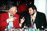 Hans-Peter Ültschie (Inhaber von BERNINA) und Peter Flach beim Fachsimpeln
