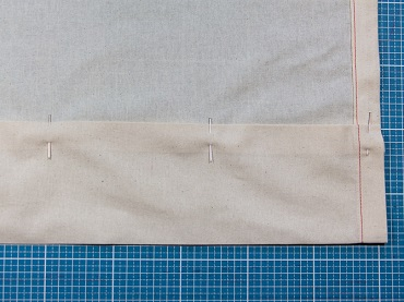 Kante 8 Zentimeter rechts auf rechts umbügeln